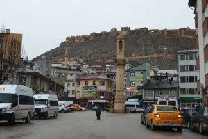 Bayburt is overshadowed by an unfeasibly large citadel.