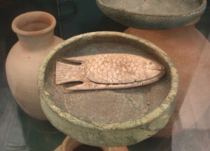 fig 8: Bowl and Cosmetic Box, Tel Es Sa'idiyeh. 1300 BCE